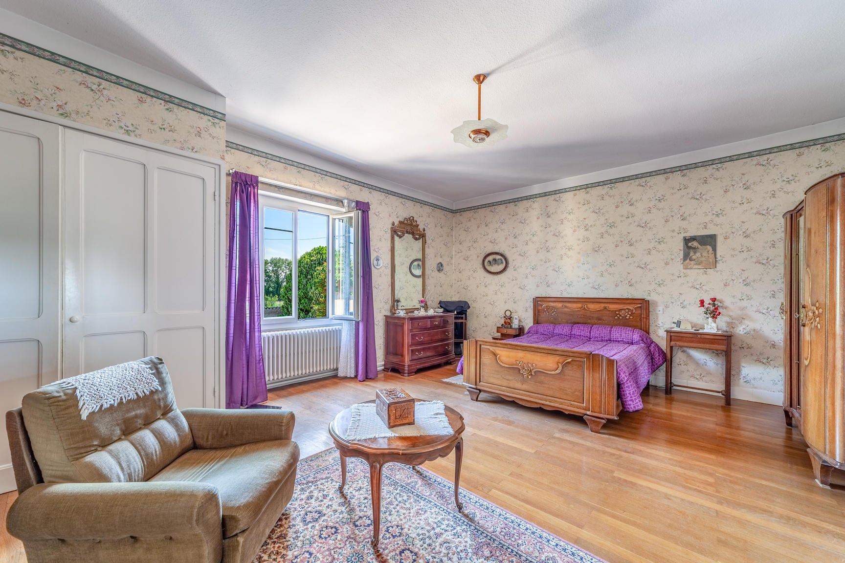 Maison 10 pièces 237 m²