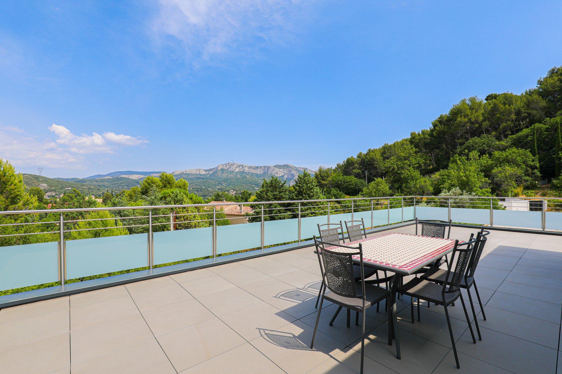 LA NATURE Villa moderne de 160m2 + ss sol - sur Terrain de 2800 m2