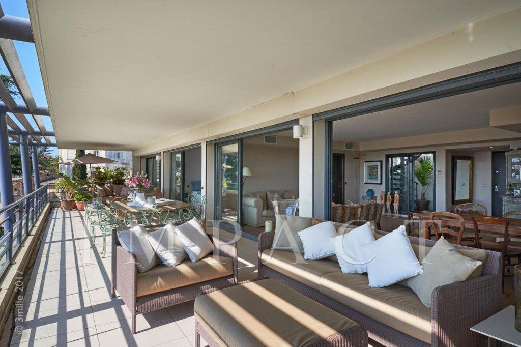 In Cannes- Beautiful last floor apartment - panoramic sea view