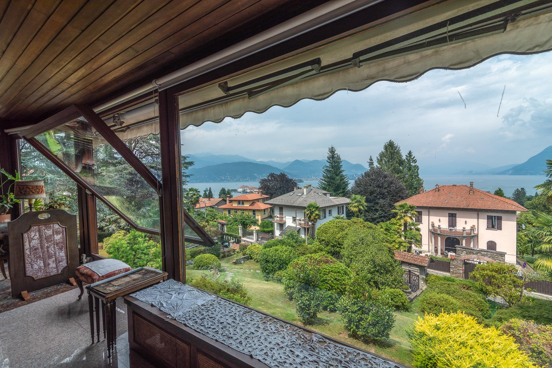Elegant villa with garden for sale in Stresa - terrace