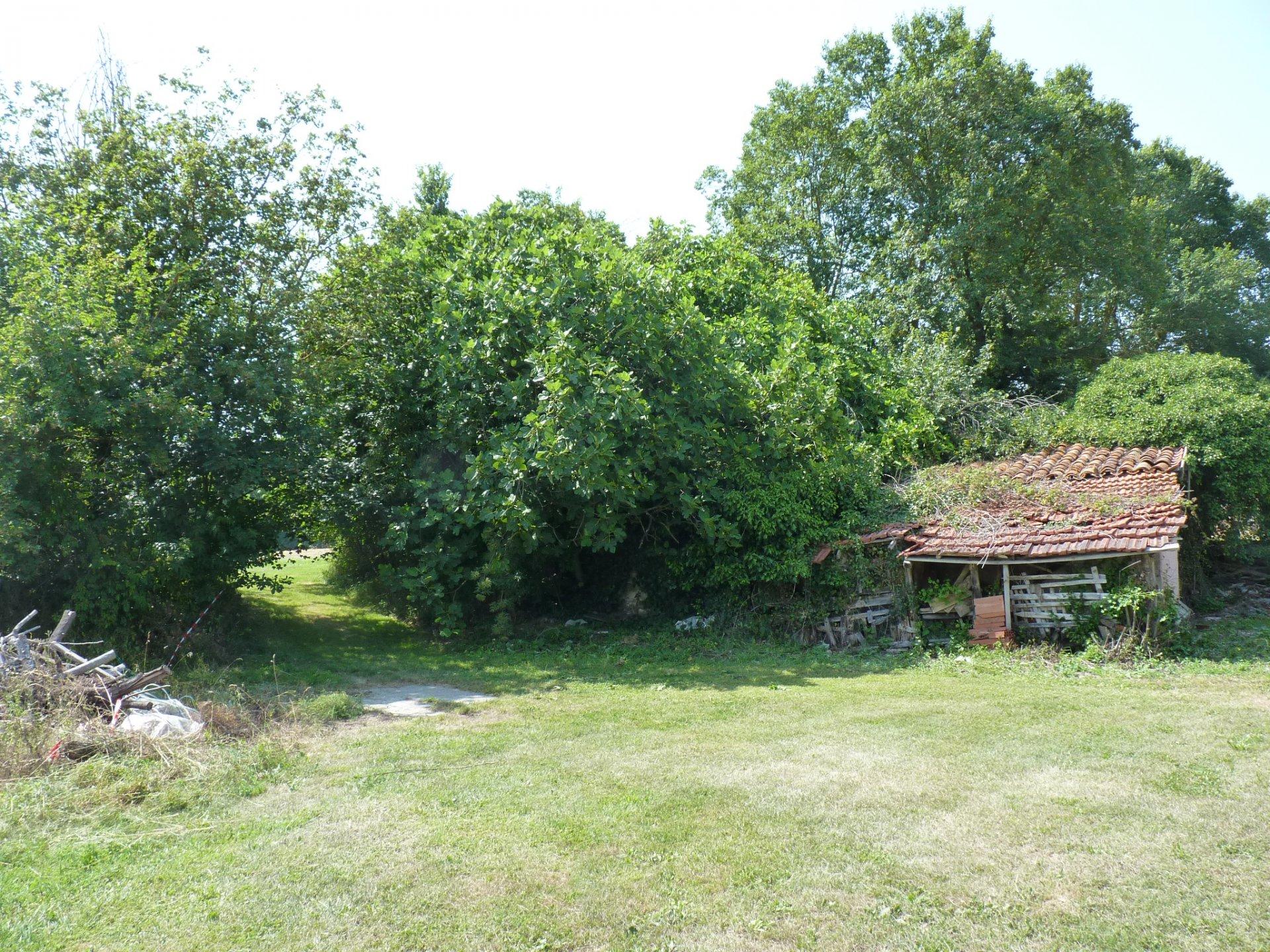 Secteur Aurignac, ensemble de biens  sur plus de 2 hectares de terres
