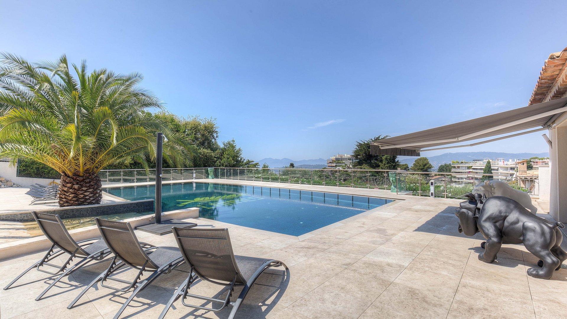 ALPES MARITIMES (06) - CANNES - Vente Propriété d'exception de 350 m²  avec piscine