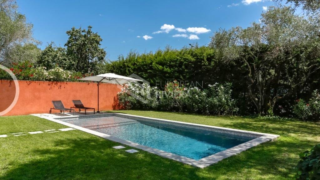 MOUGINS - VILLA 5 pièces piscine/jardin