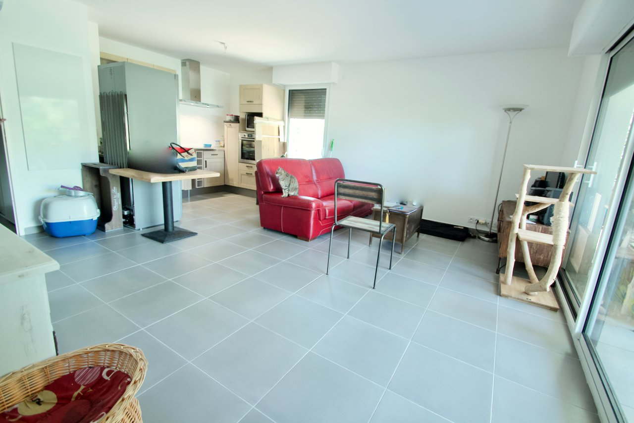 Saint Raphaël / Boulouris - ground floor apartment - 56 m2 with private parking, terrace and garden
