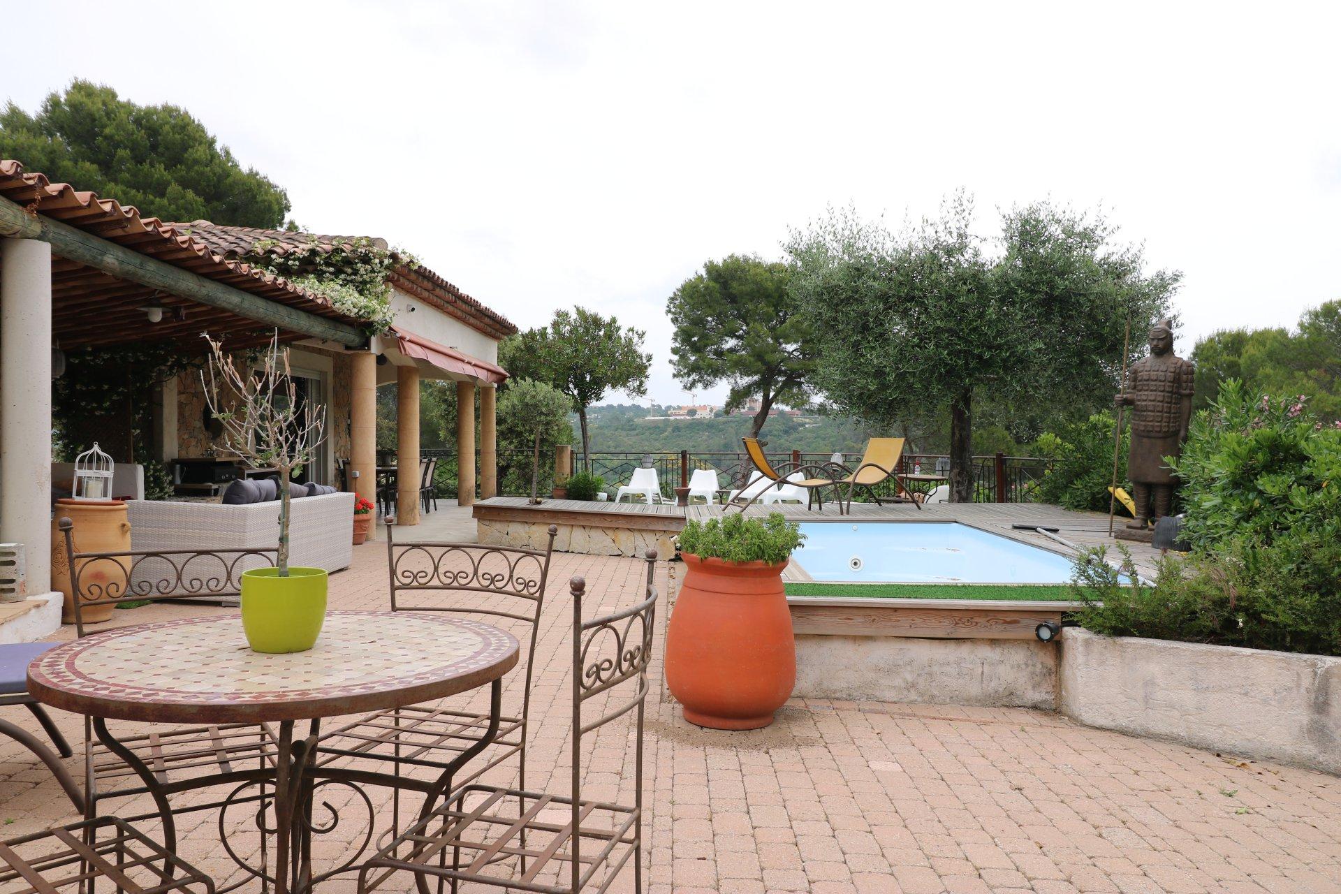 Belle Villa au calme avec piscine SPA de nage