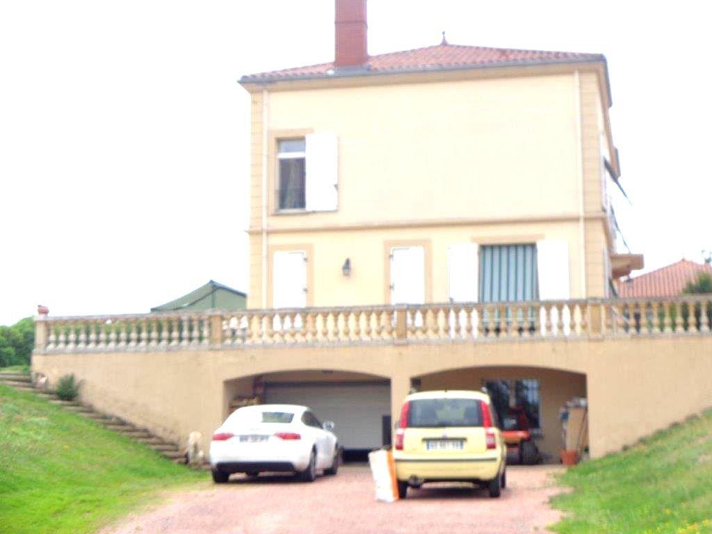 Propriété familliale à 15' de Roanne 1h de Lyon