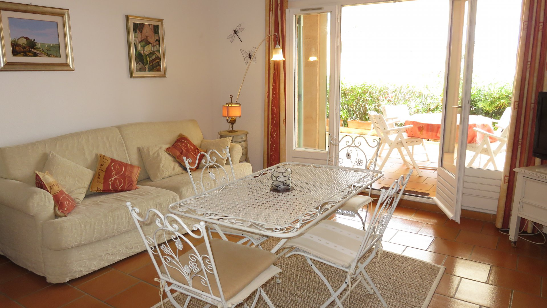 Provencal farmhouse of 2 rooms 50,46 m² with parking and cellar