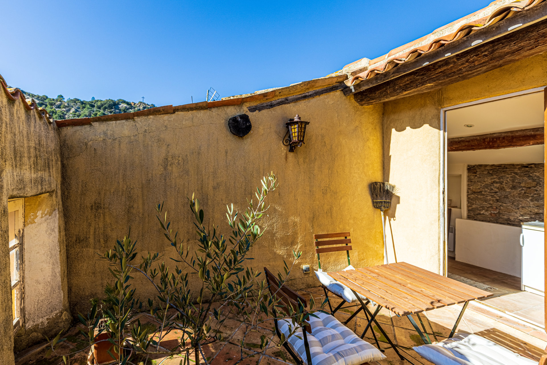 Charming village house with rooftop terrace in La Garde Freinet