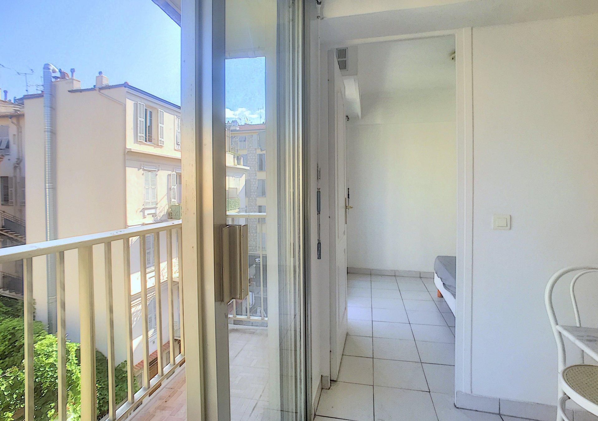 SALE Apartment 2 Rooms Nice Fleurs Close Sea Balcony
