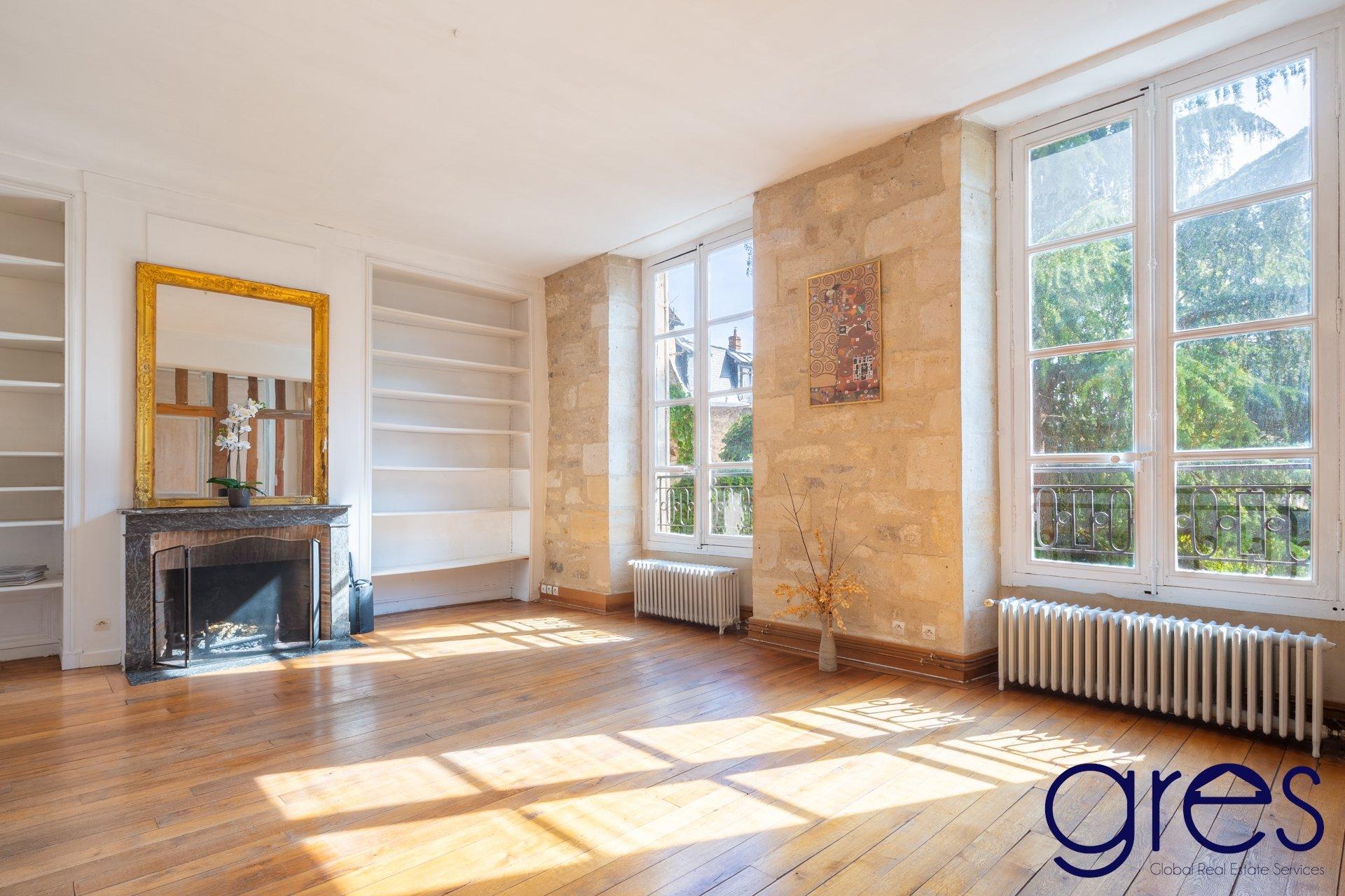 A vendre appartement 5 pièces SENLIS CENTRE