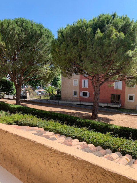 spacious 1 bed apartment in a small gated community Pegomas