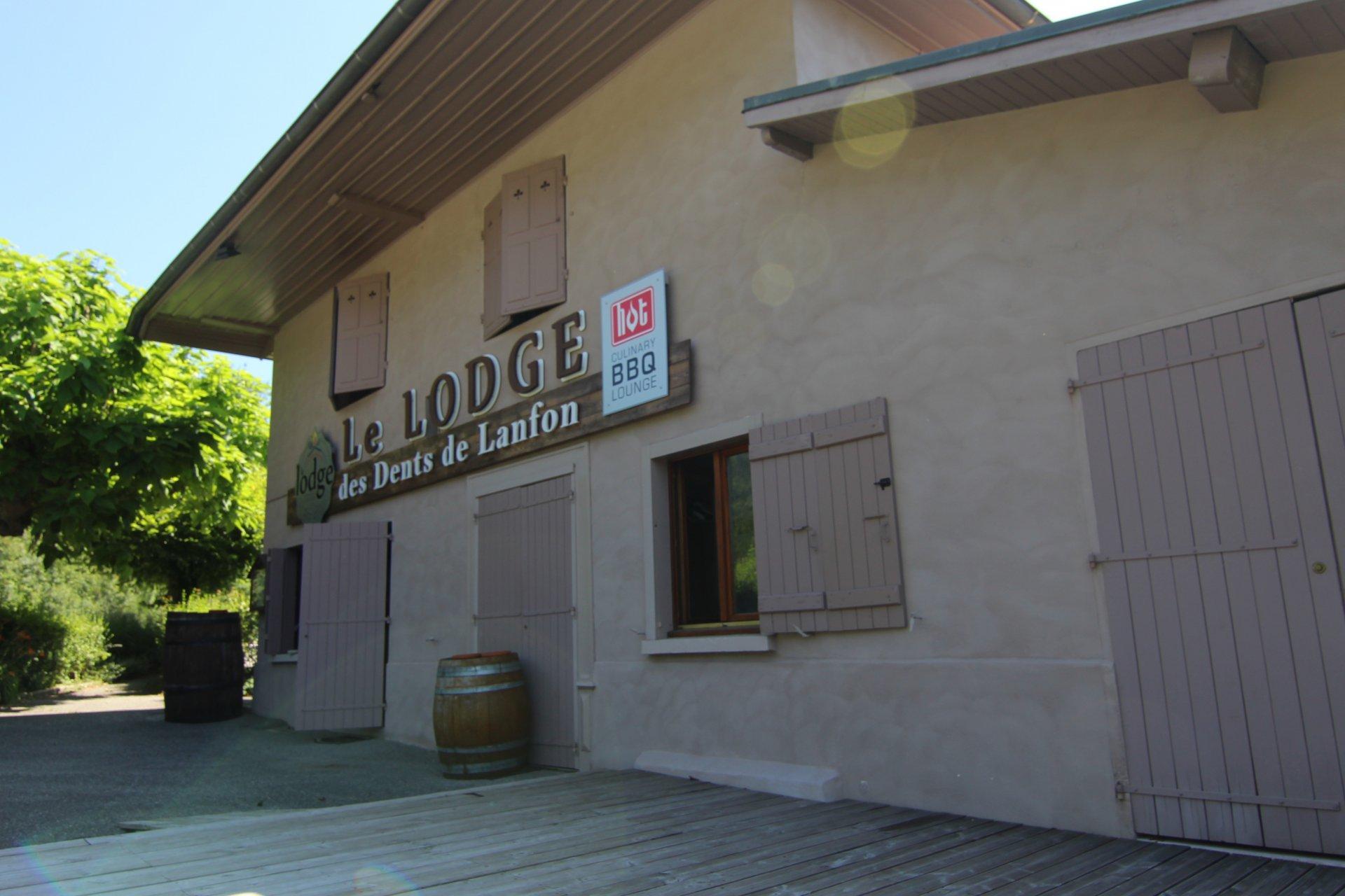 Aux portes de Menthon Saint Bernard