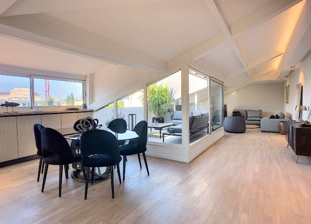 rentals 4 bedroom close Palais des Festivals Cannes
