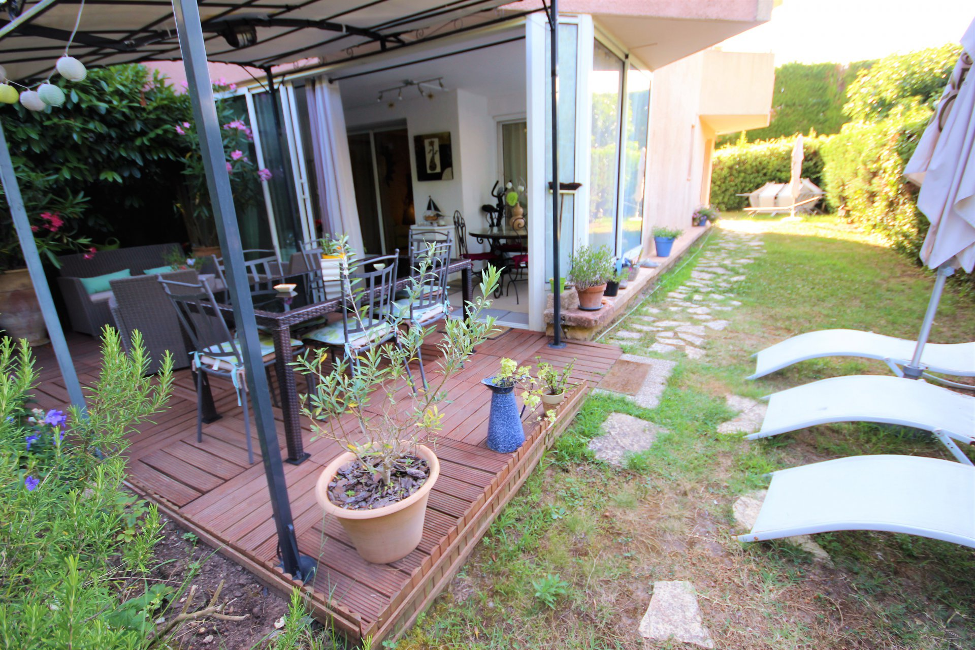 MANDELIEU SALE 3 ROOMS CALM ABSOLUTE RESIDENCE WITH SWIMMING POOL