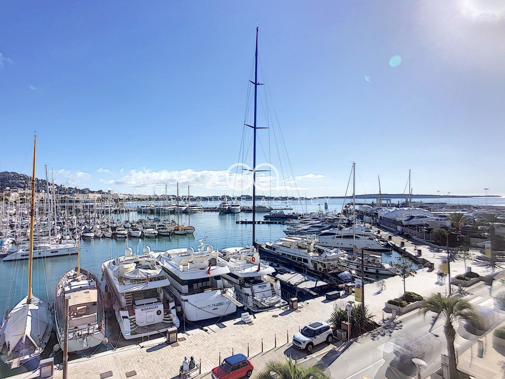 CANNES OLD PORT FOR SALE 3 ROOMS 82 M2 SEA VIEW