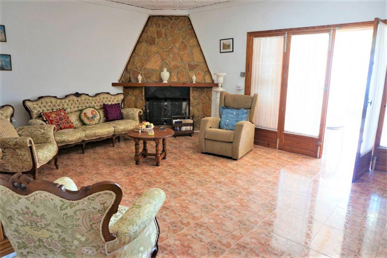 Villa sur 2 niveaux proche de toutes commodités et de la plage