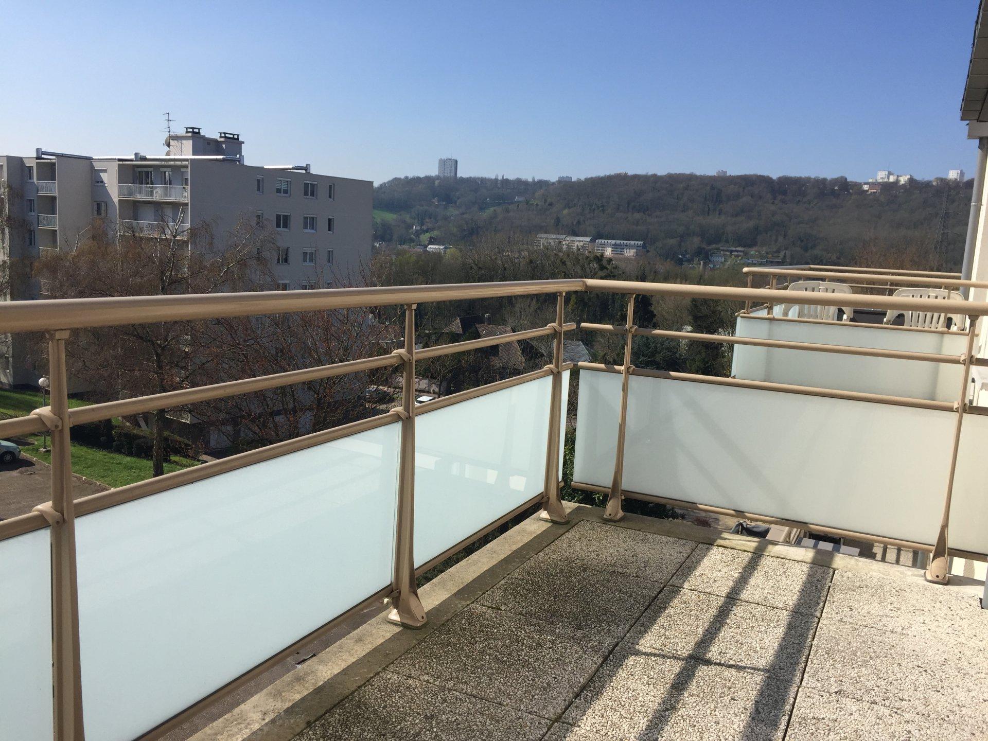T2 avec balcon à 10 minutes de la de droit ROUEN