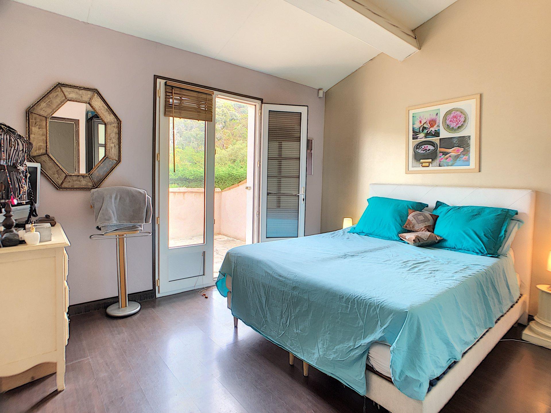 La Roquette, Villa 4 Chambres au calme absolu