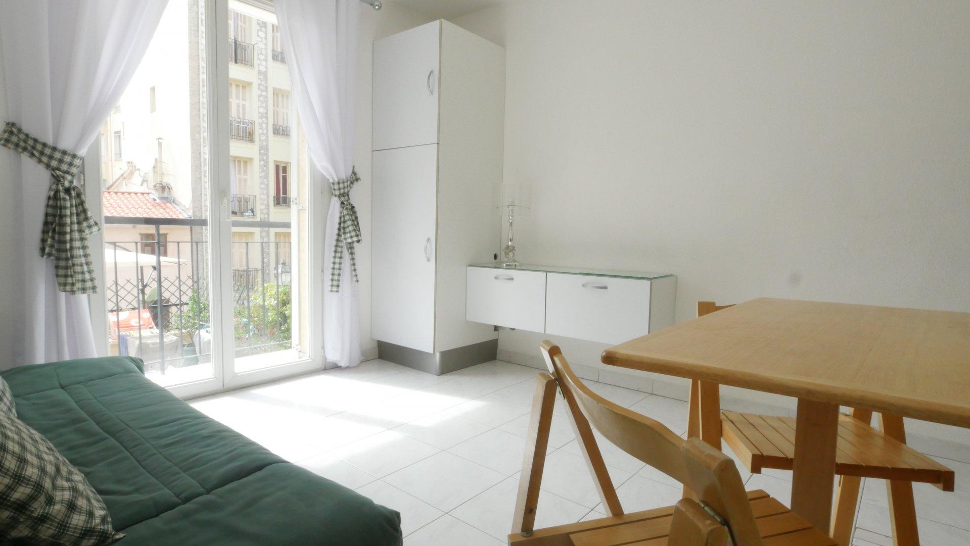 Q.RE DES FLEURS, 2 pièces meuble avec balcon