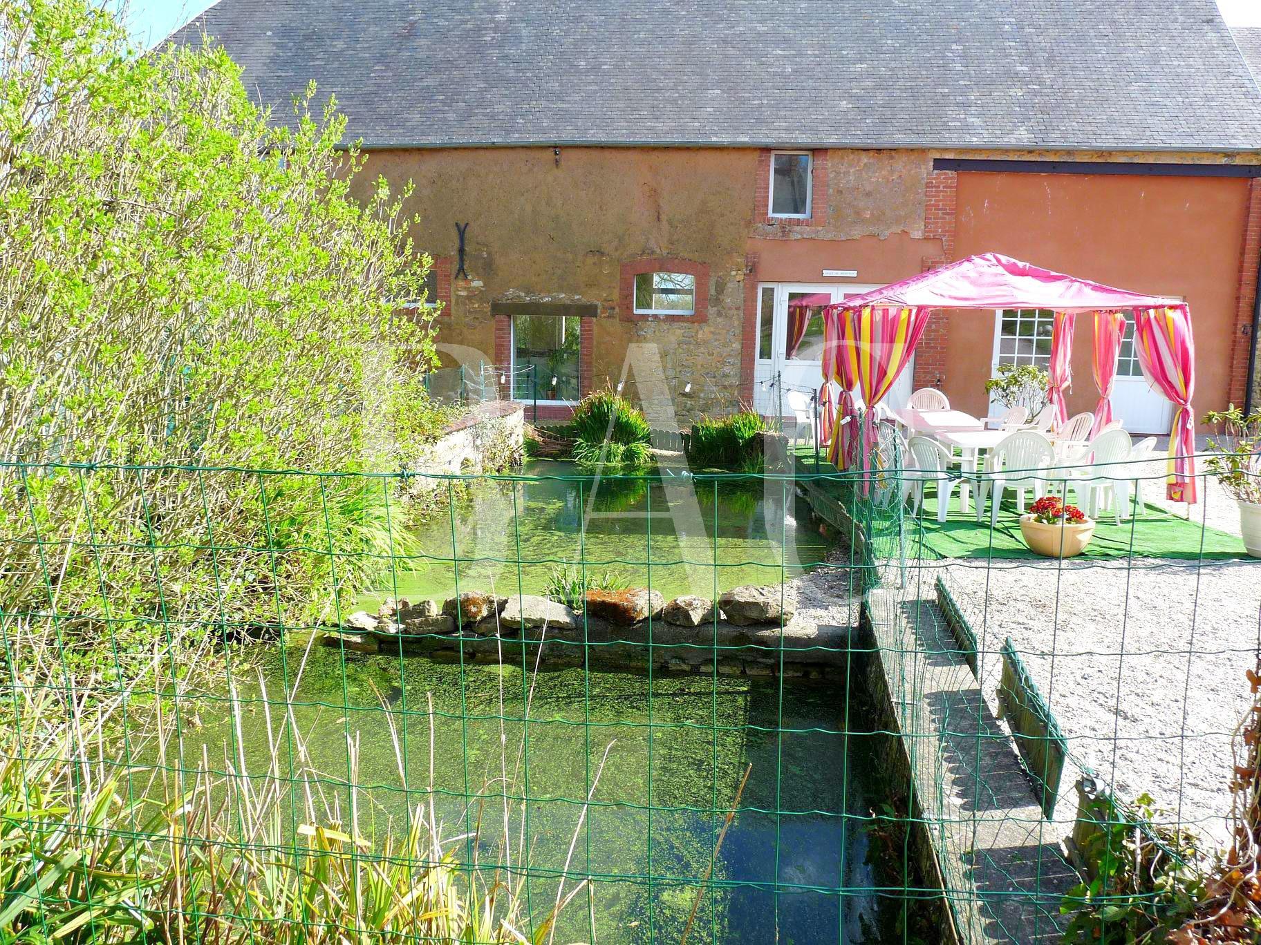 Joli corps de ferme à 7 km du port de Carentan et 15 km de la plage de Grancamp-Maisy