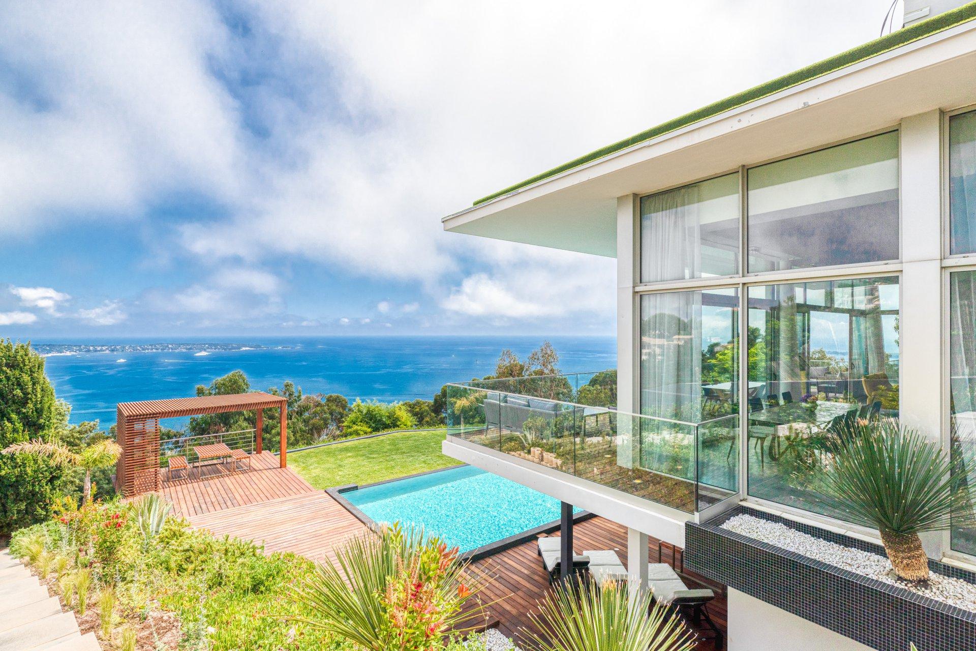 SUPER CANNES Californian sea views villa