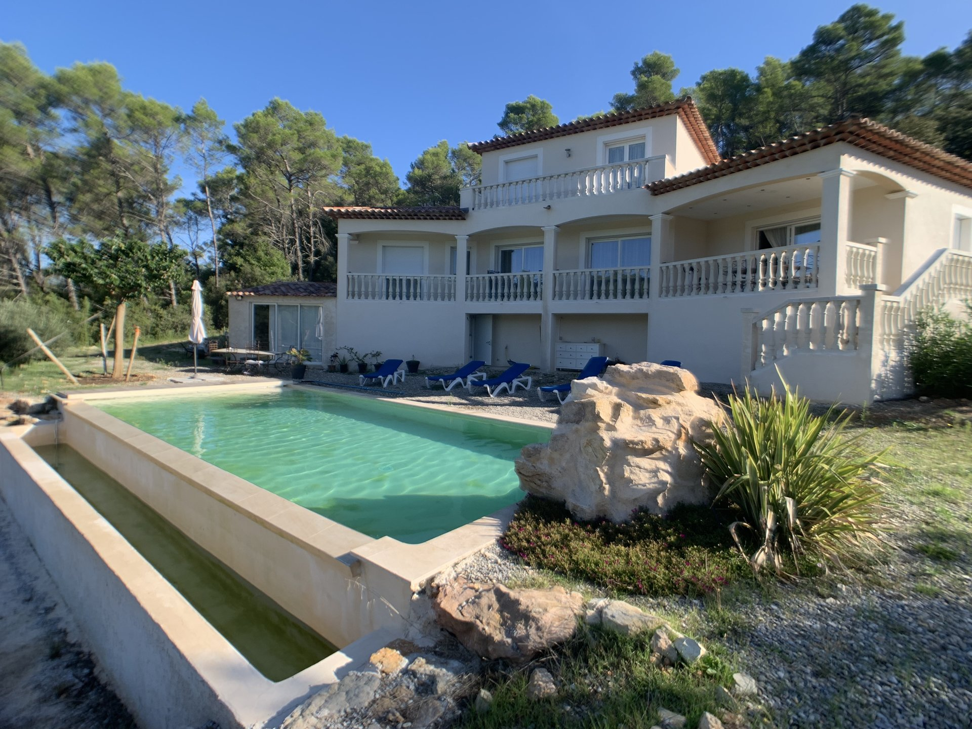 3 bedroom villa with dominant view