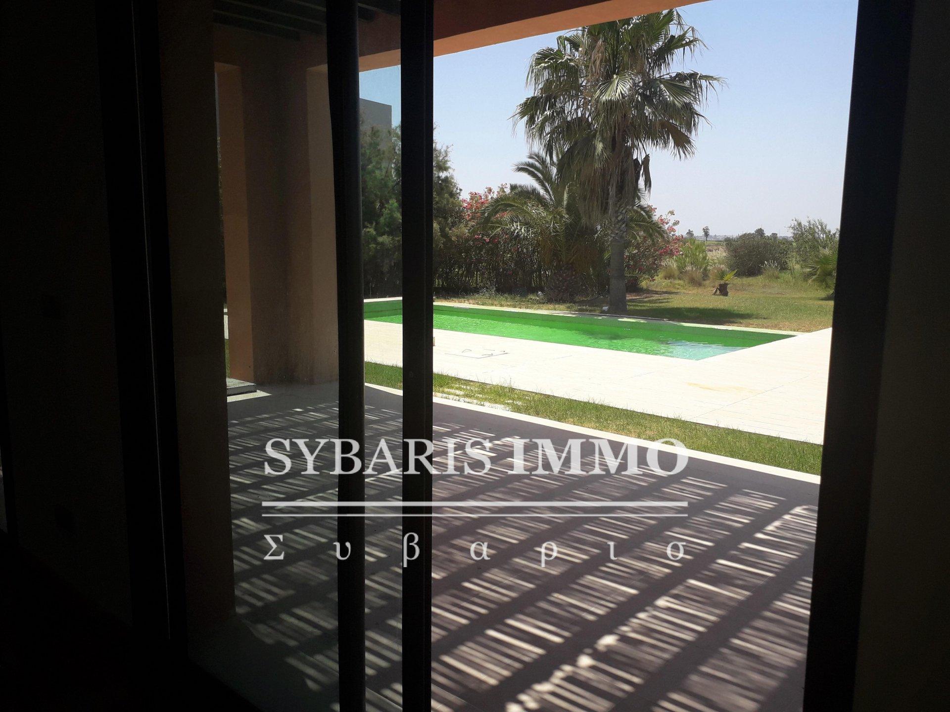 Villa Luxe avec une agréable vue sur le golf et le lac à Gammarth