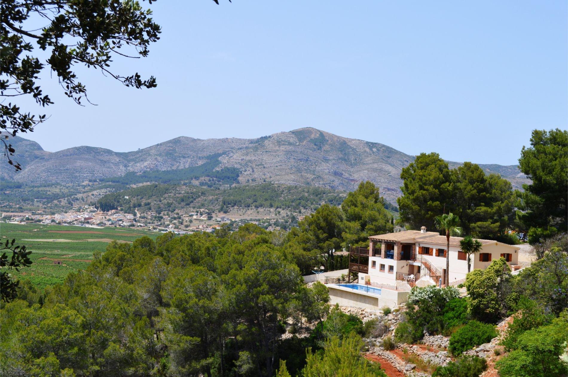 Indrukwekkende privévilla met fantastisch uitzicht op de bergen