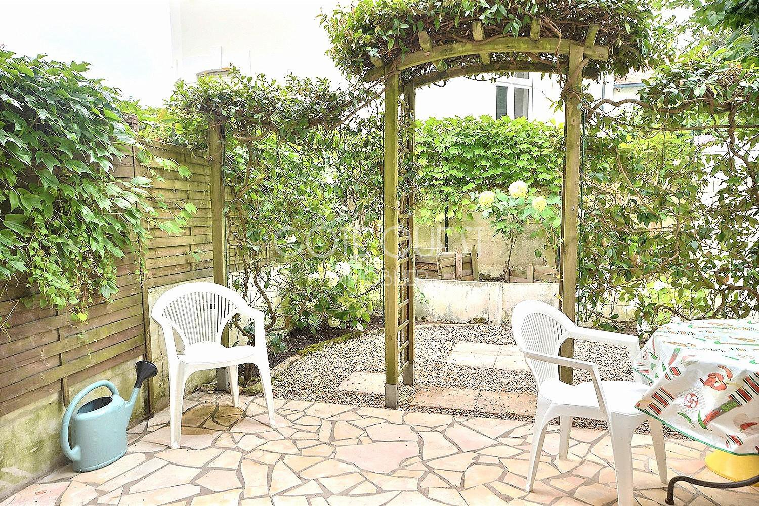BIARRITZ. A STUDIO APARTMENT WITH A GARDEN