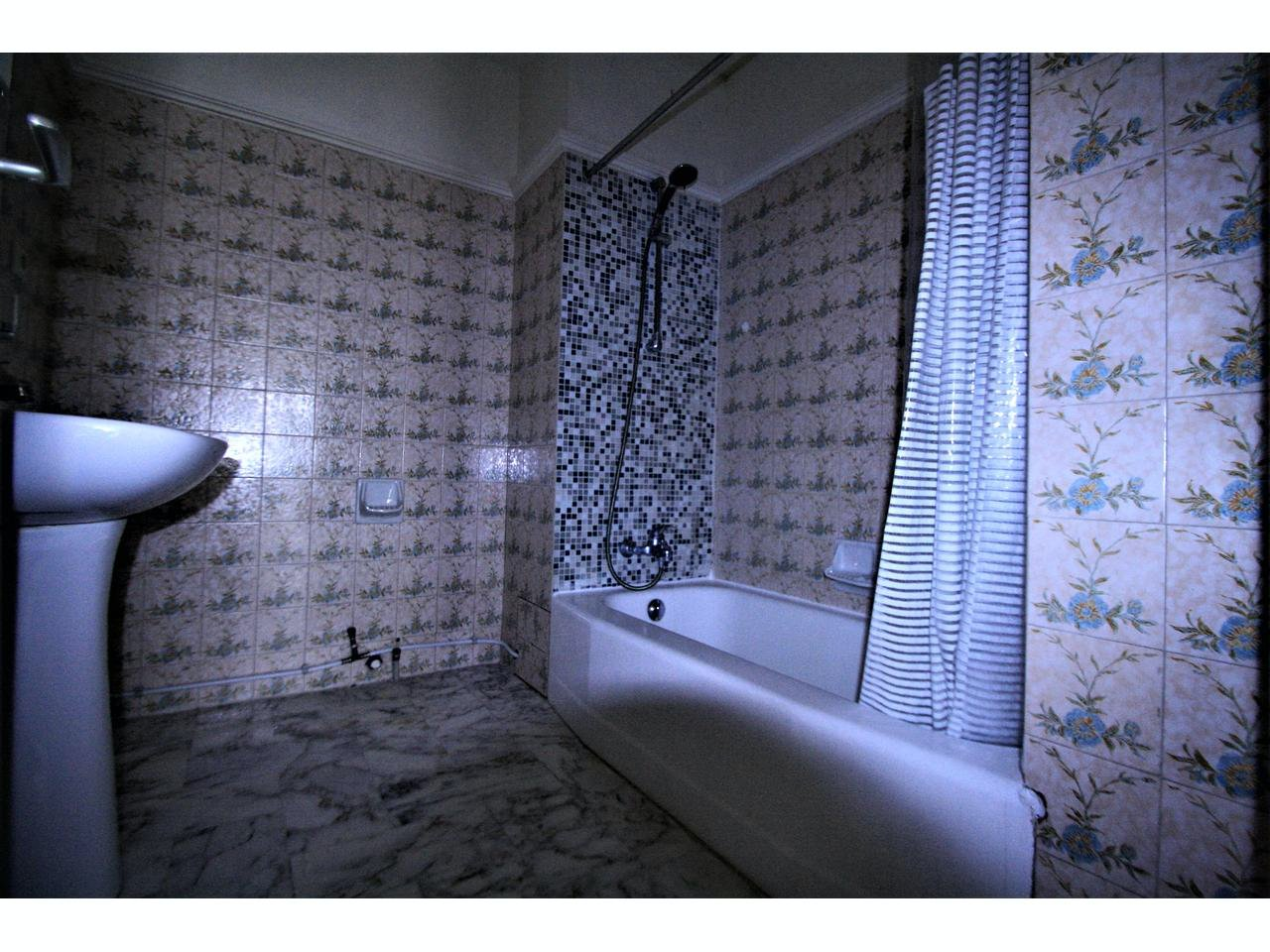 Apartment close to all amenities - terrace