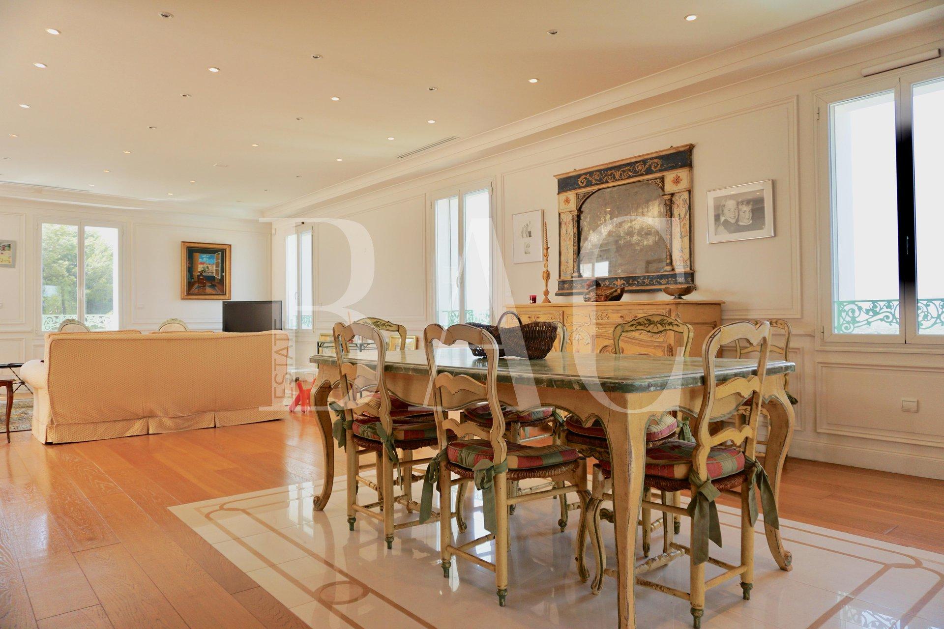 Saint Raphaël dans une résidence de charme, superbe appartement en dernier étage