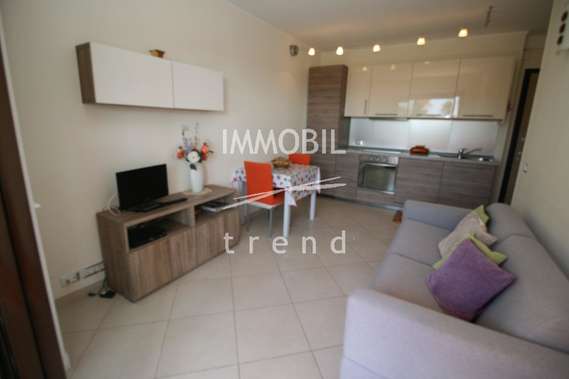 ROQUEBRUNE CAP MARTIN REAL ESTATE - 1 bedroom apartment with terrace cellar and private parking for sale