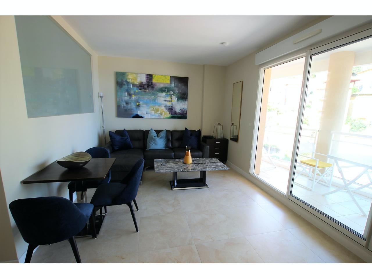 Apartment with sea view 15 min from Monaco