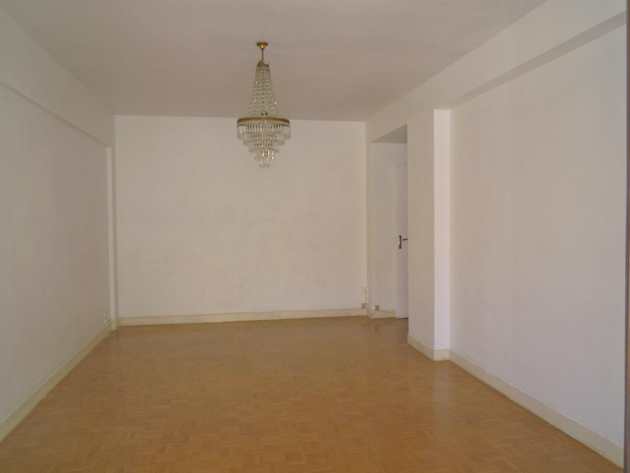 Apartment to renovate in Musiciens