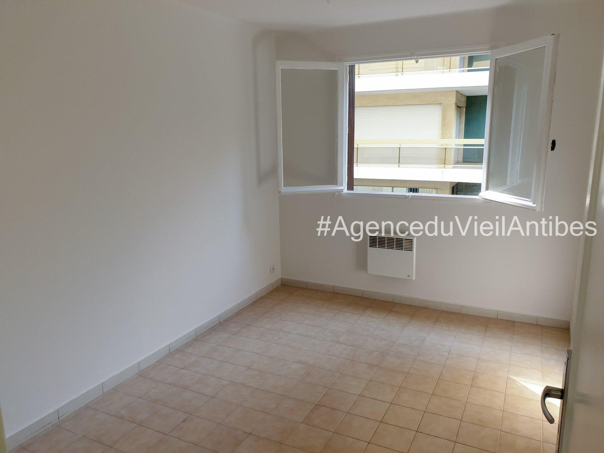 Antibes - 3pièces de 60.97 m² + Balcon 7 m²