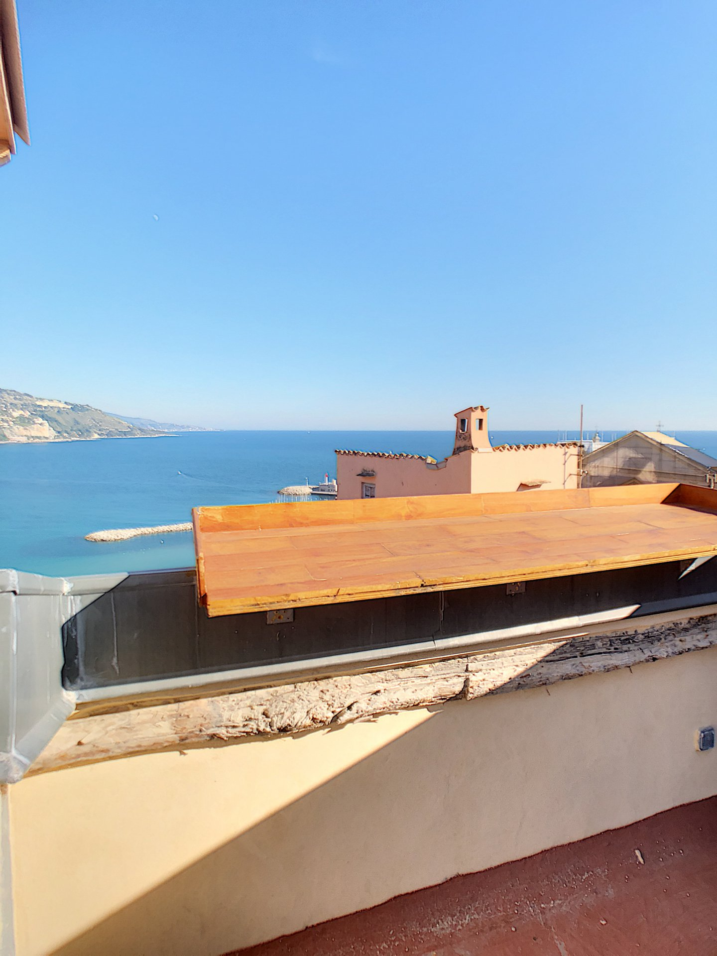 Triplex with panoramic view from the terrace - Menton Old Town