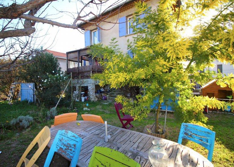 Maison T5 au coeur du village de St Loup