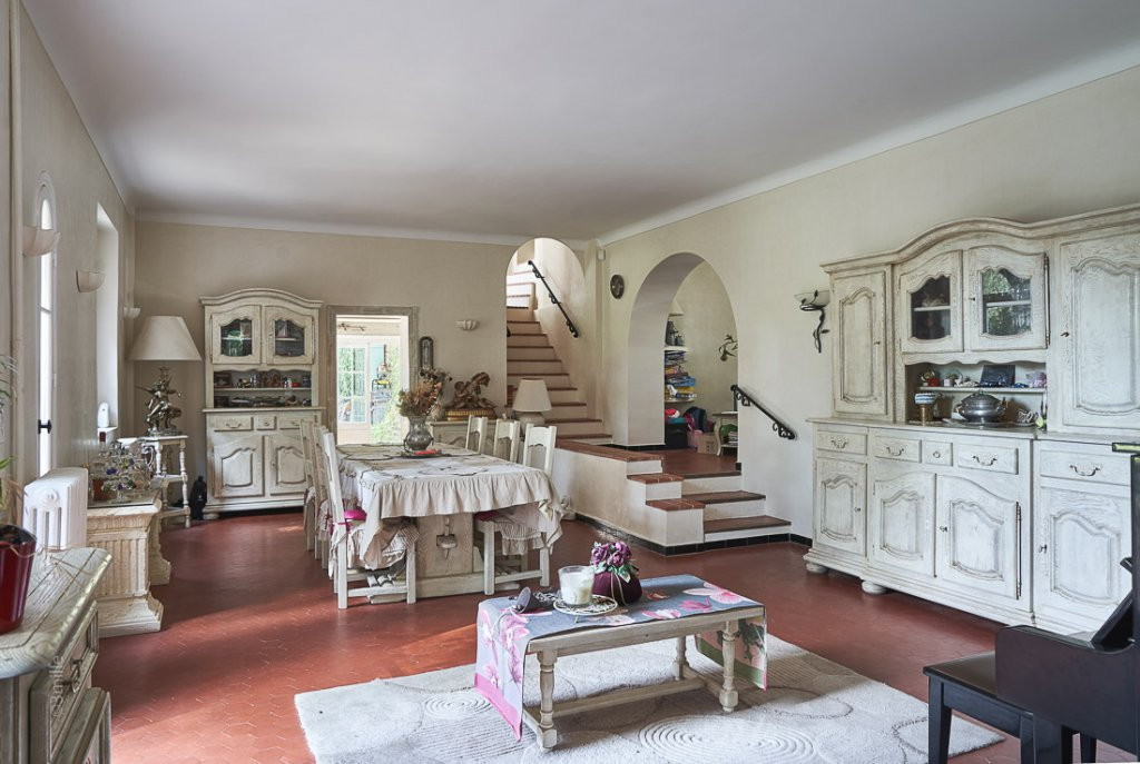 Beautiful bastide located close Mouans Sartoux