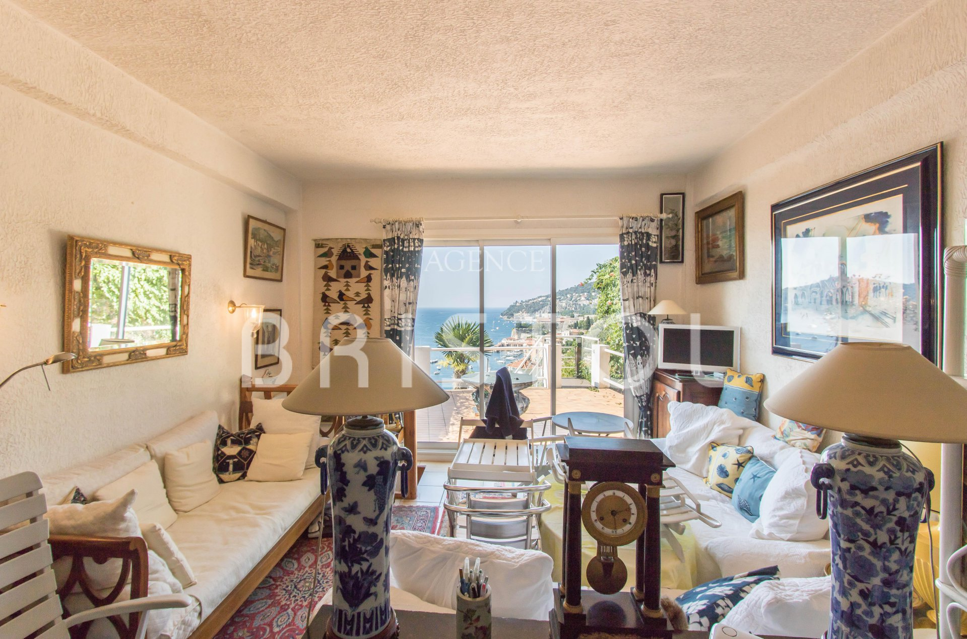 Lovely 1 bedroom apartment with a large terrace and panoramic sea view