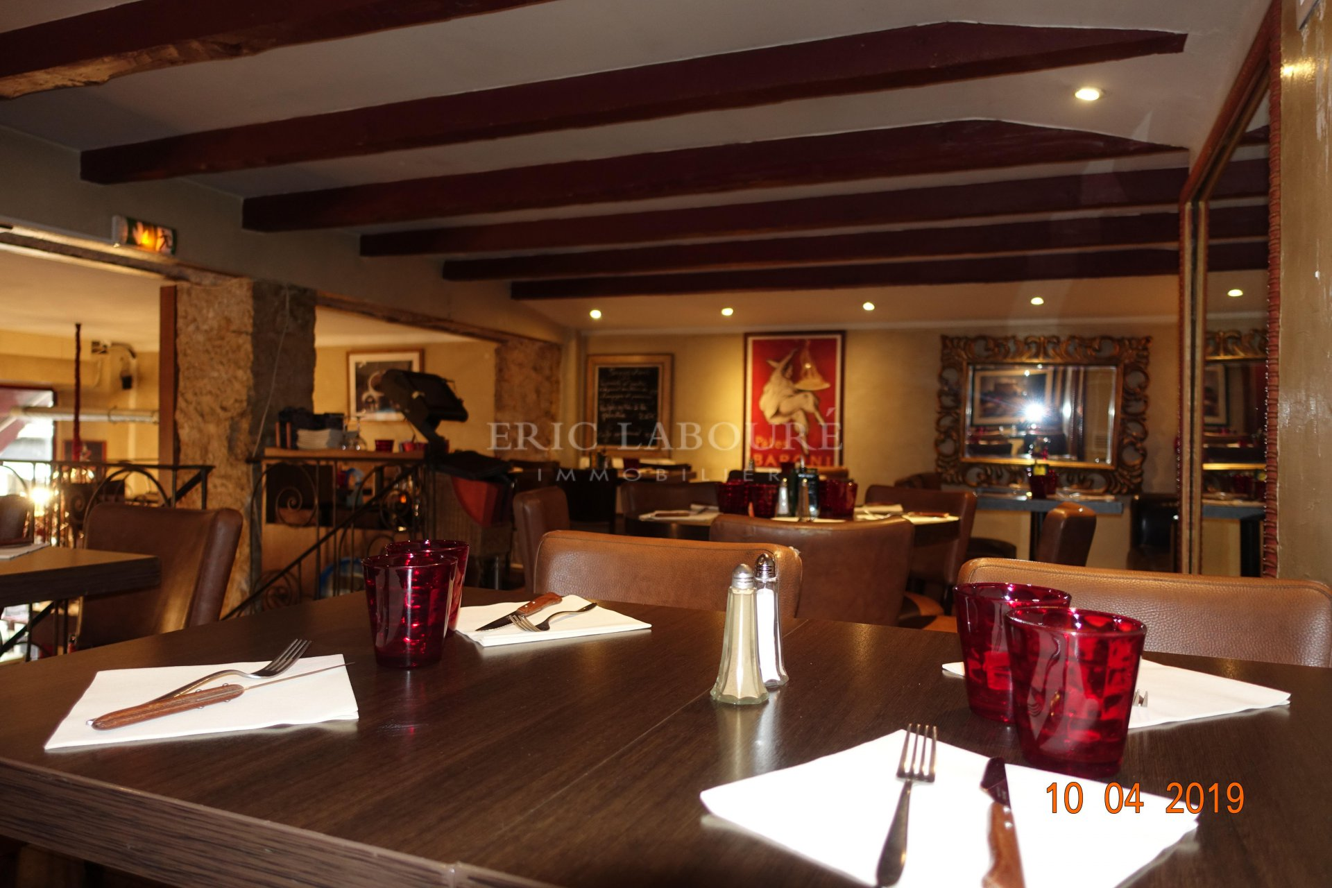 """Cannes,""""Banane"""", emplacement n°1 ,brasserie"""