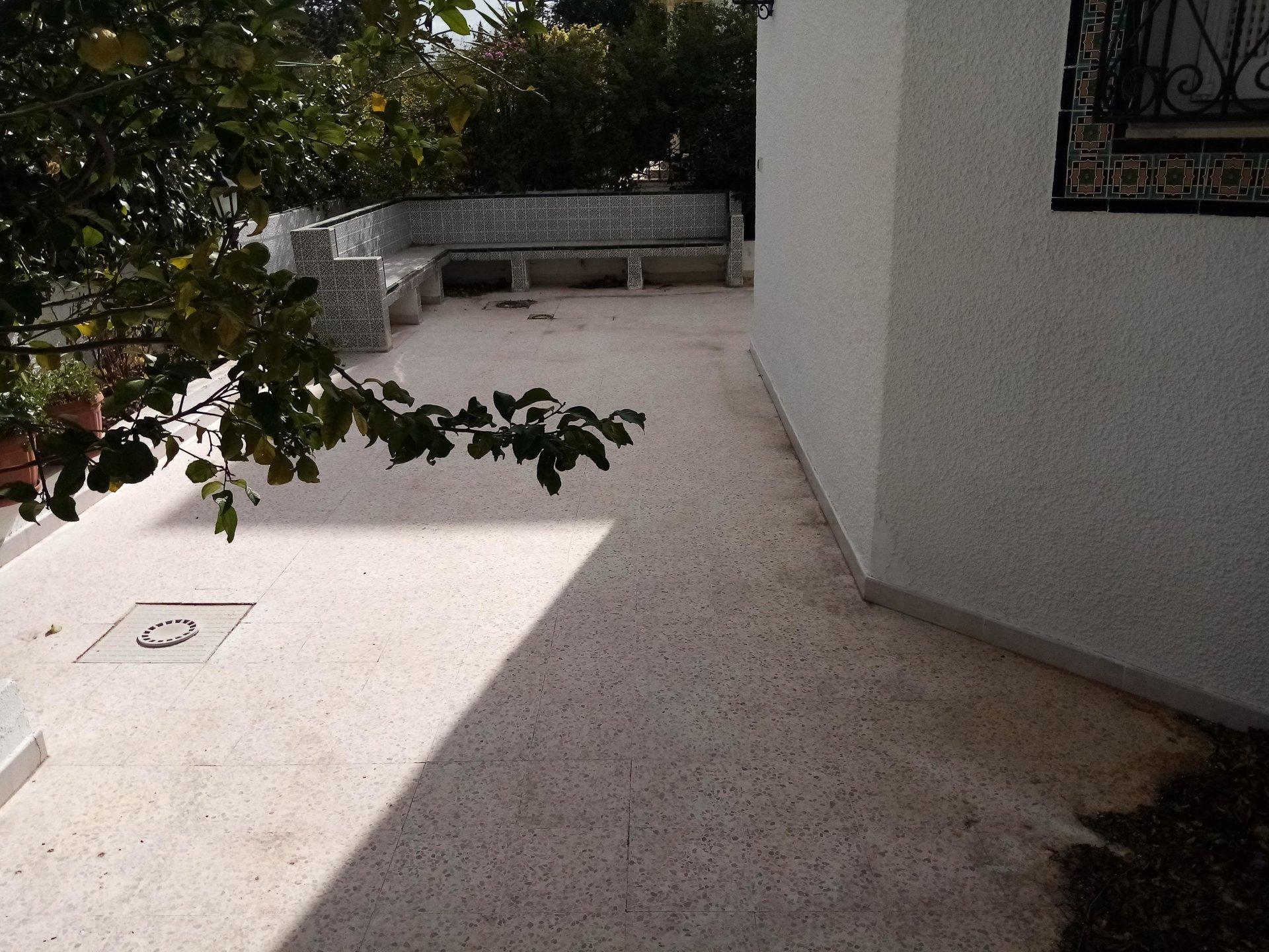 a louer villa avec jardin au lac 1