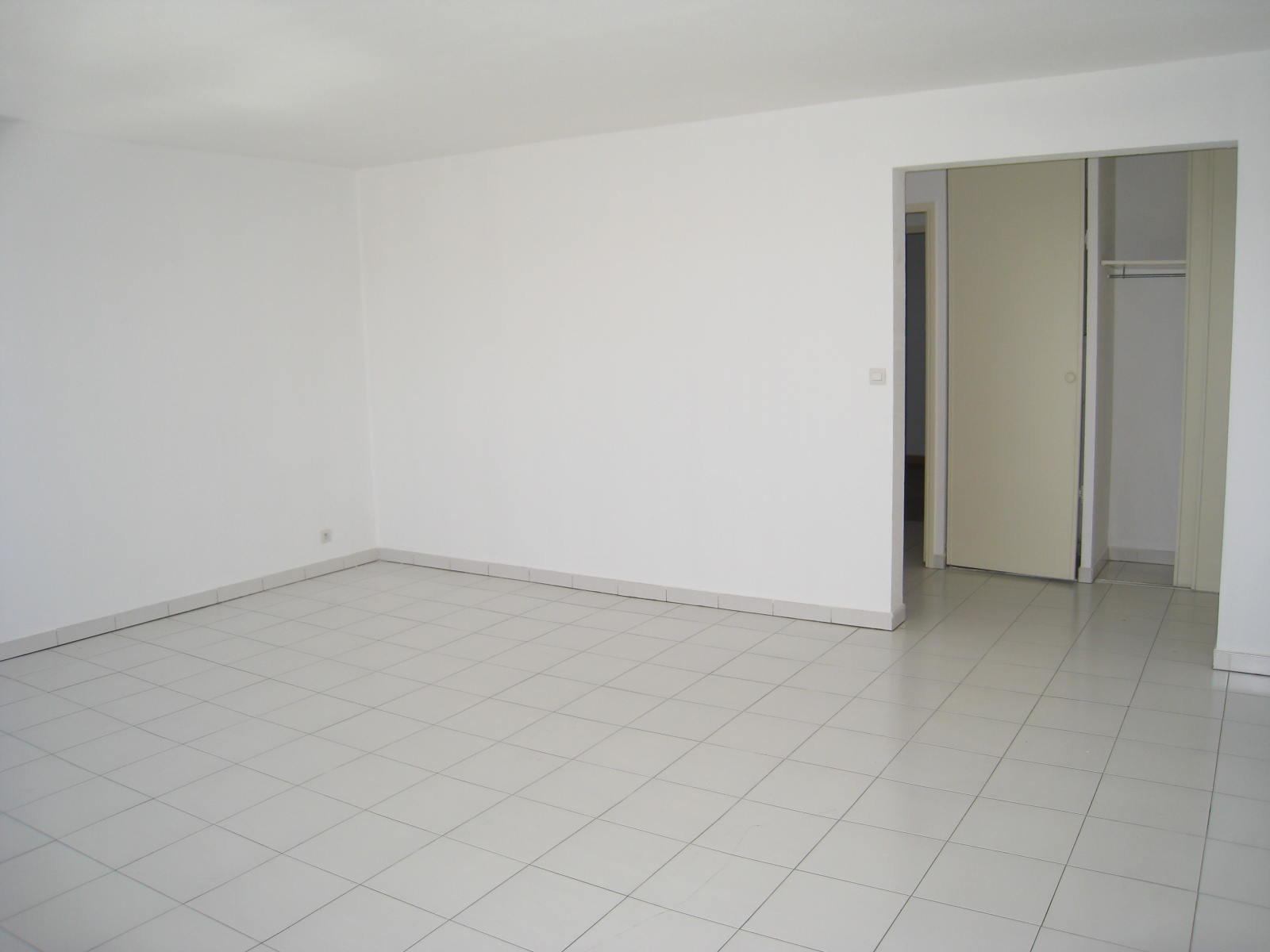 FREJUS PLAGE-T2-47 m² proche plages