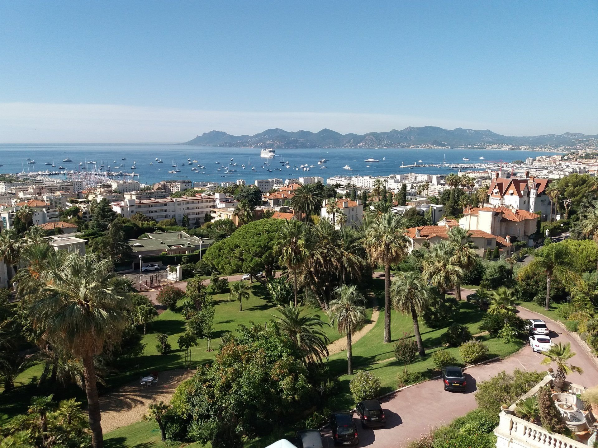 CANNES BASSE CALIFORNIE