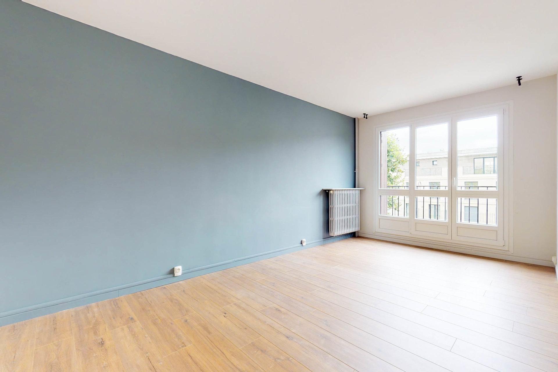 76 m2, récemment rénové, vastes pièces lumineuses ❤️