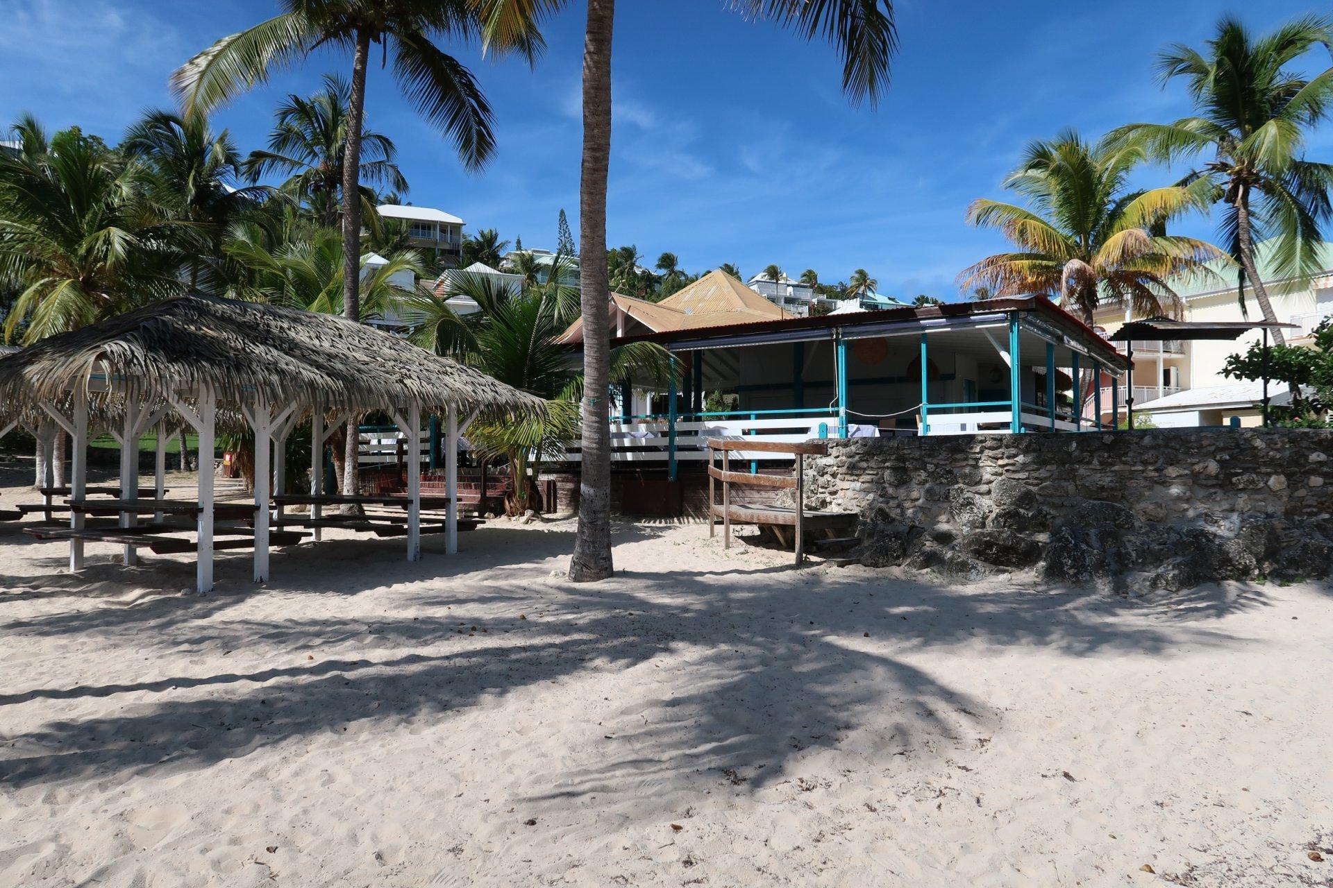 restaurant de plage anse des rochers saint françois