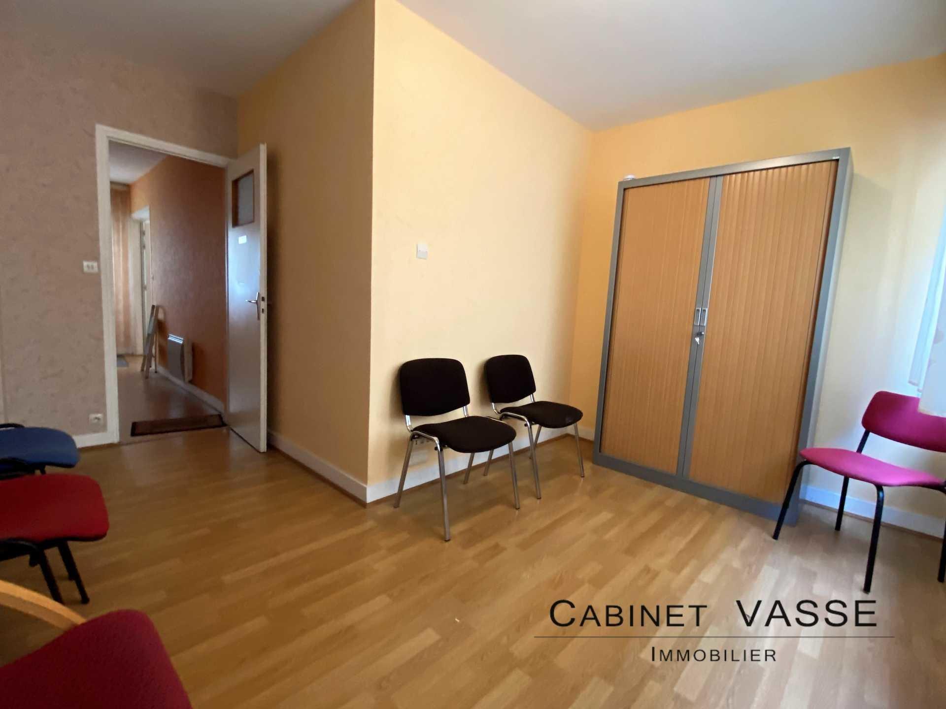 Caen, Vaugueux, cuisine, salle d'attente, travaux à prévoir, vasse, a vendre