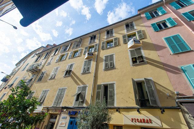 A vendre  2 Pièces- NICE Le Port- Rue Bonaparte