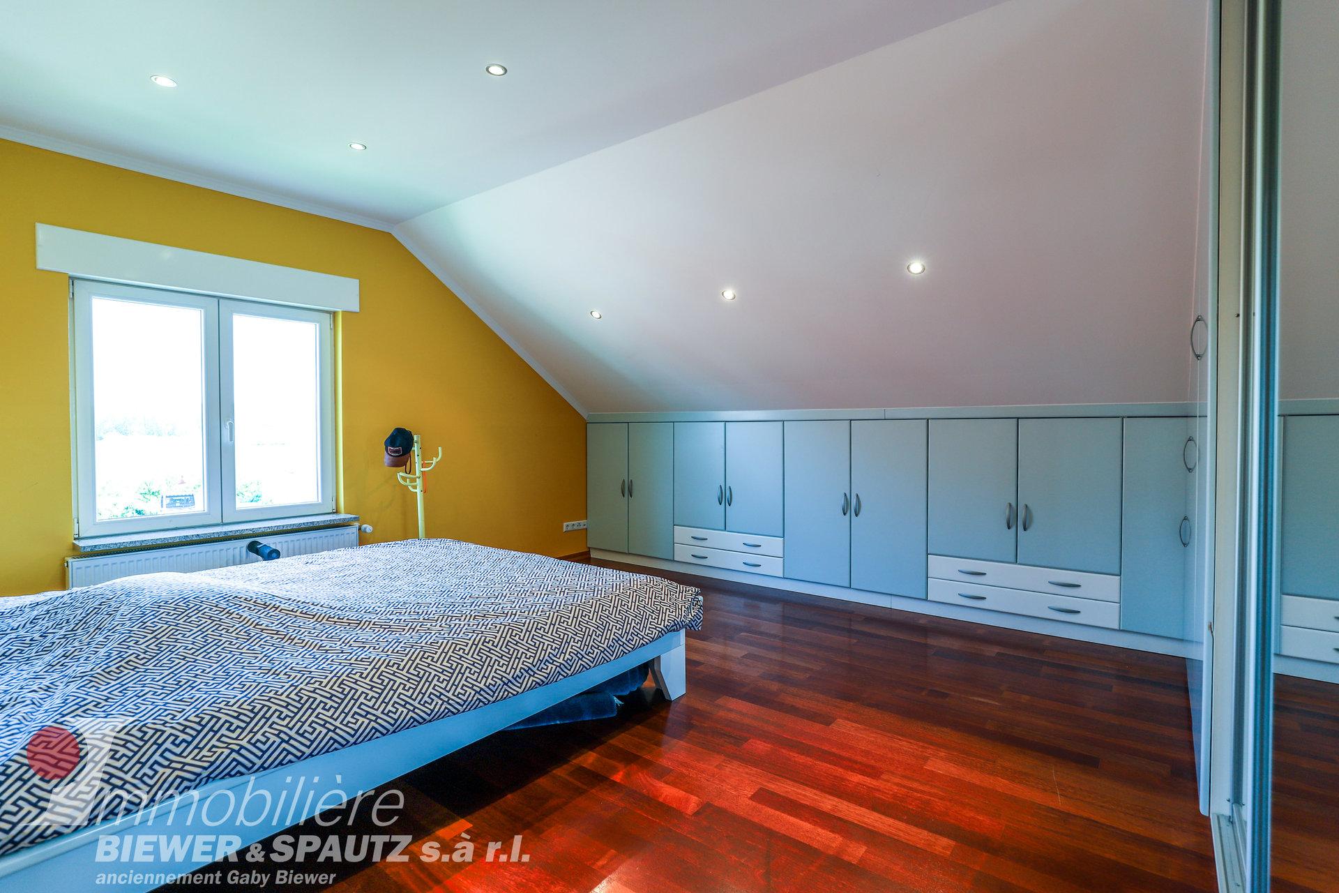 A VENDRE- superbe maison spacieuse avec 5 chambres à coucher à Schwebsange