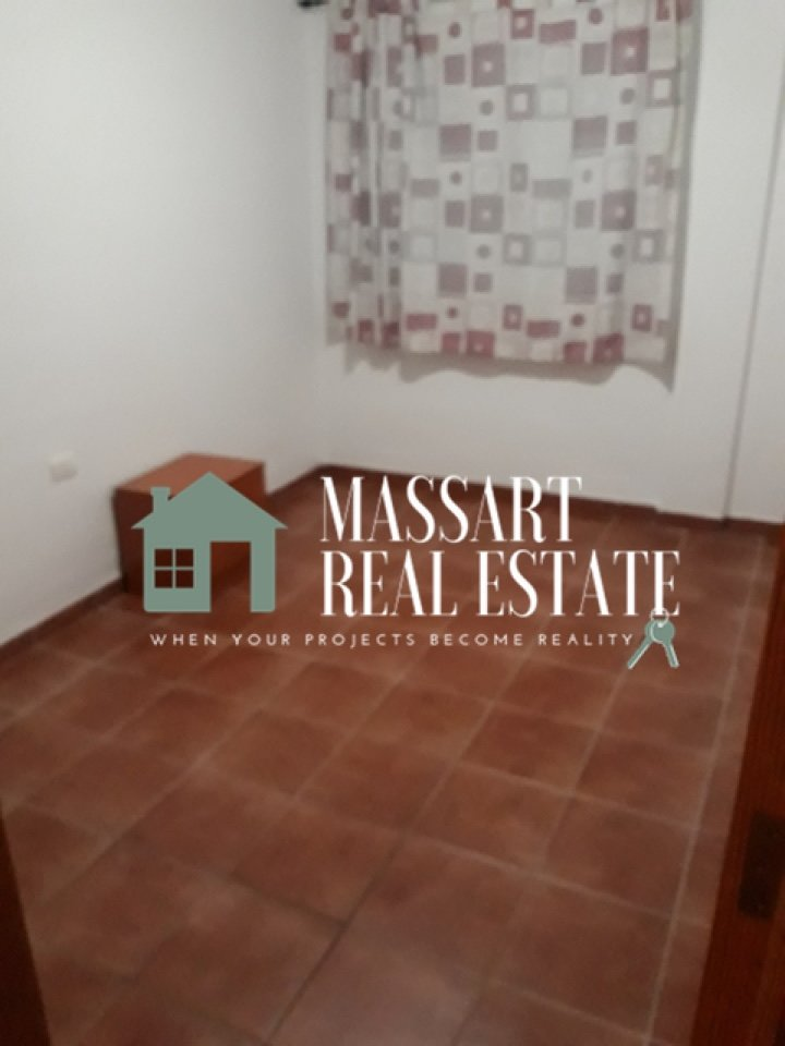 For rent in Las Galletas, fully furnished townhouse distributed on two floors.