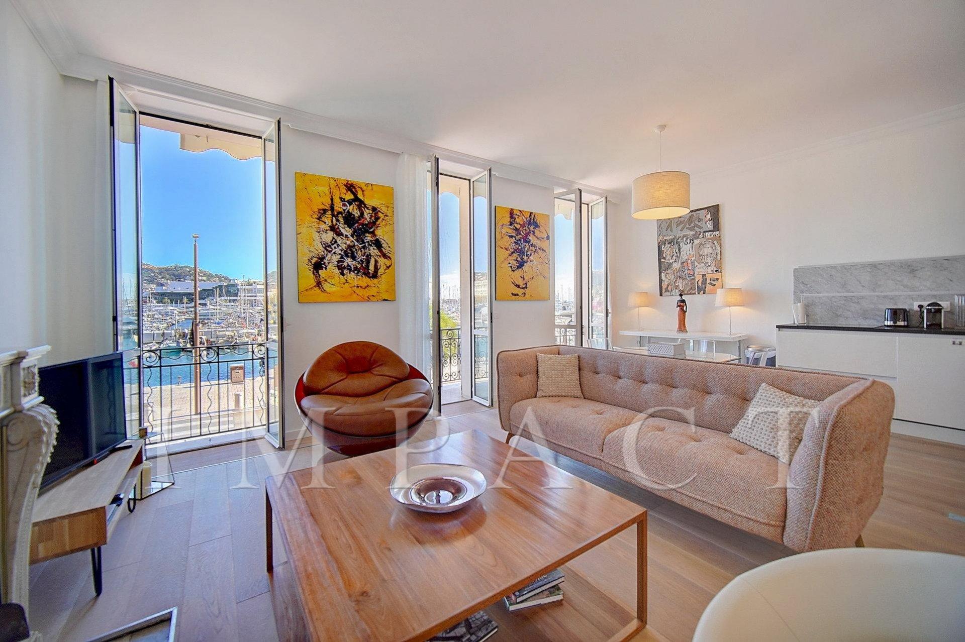 Appartement 2 chambres Location Longue Durée vue vieux port de Cannes